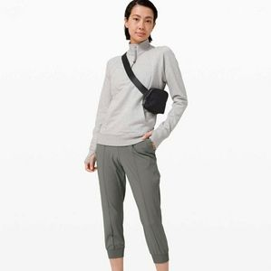 🥳HOST PICK Lululemon Wanderer Cropped Jogger - 10